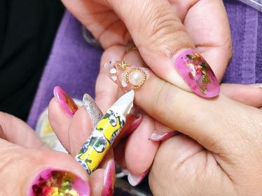 Nail by TANG Treasure Island Acrylic Extension Gel Seashell Starfish Diamond Nails (3)